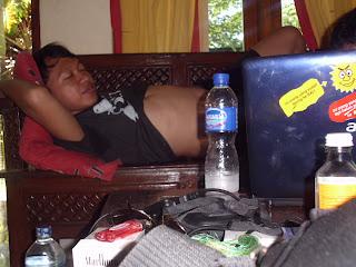 tidur,barang,angkat,kost,pindahan,kontrakan,mahasiswa,kuliah,palembang,solo,usir