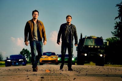 Jack Reynor and Mark Wahlberg in Transformers Age of Extinction