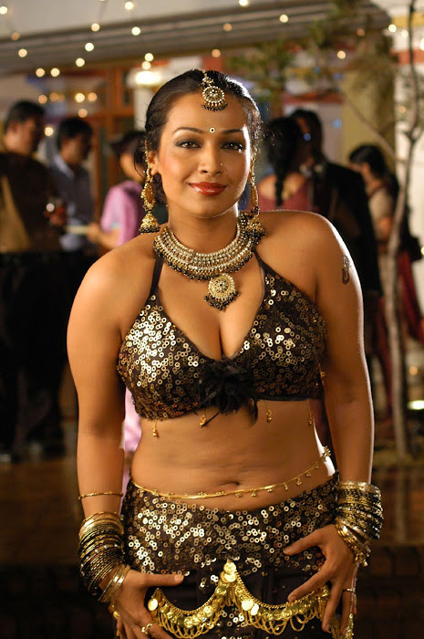 spicy mayuri(asha saini/flora) blouse t from from movie kanagavel kakka unseen pics