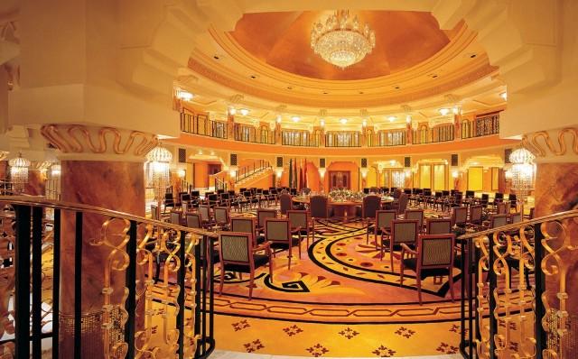 1.790 m2 Interior Burj Al Arab Dilapisi Emas 24 Karat