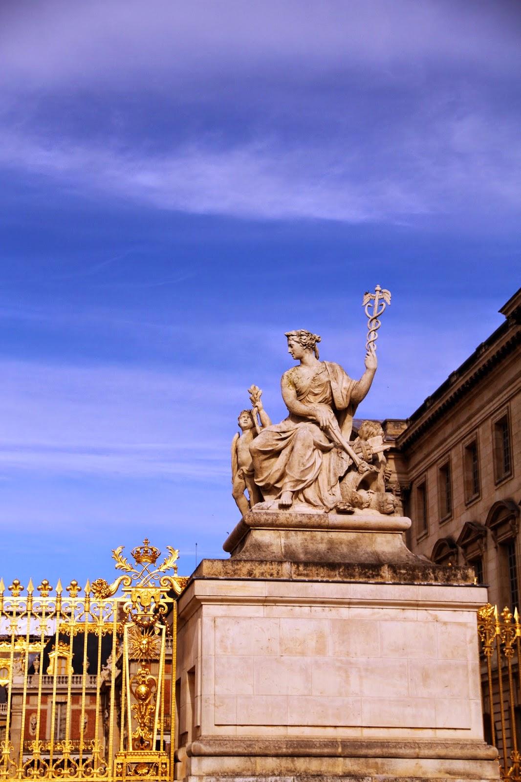 время работы Версаля