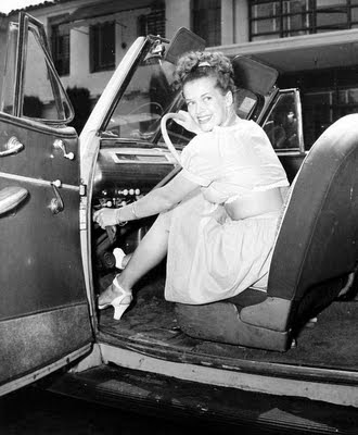 miss and cars - Page 3 Janis-paige-car_opt-2