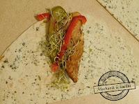 Mini wrapy z kurczakiem kiełki papryka przepis na śniadanie do pracy szkoły student nauka przekąska rożek