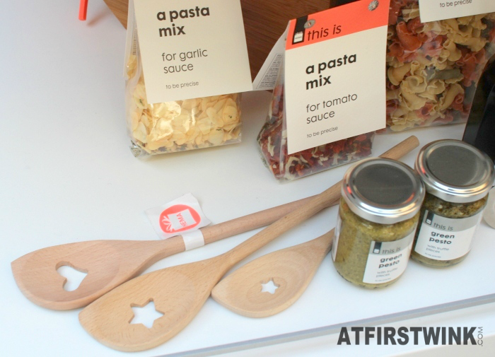 HEMA this is a pasta mix for garlic sauce and tomato sauce, wooden spoons with heart and star hole, green pesto.