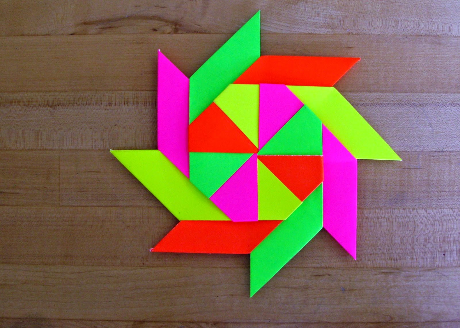 8 pointed origami throwing star