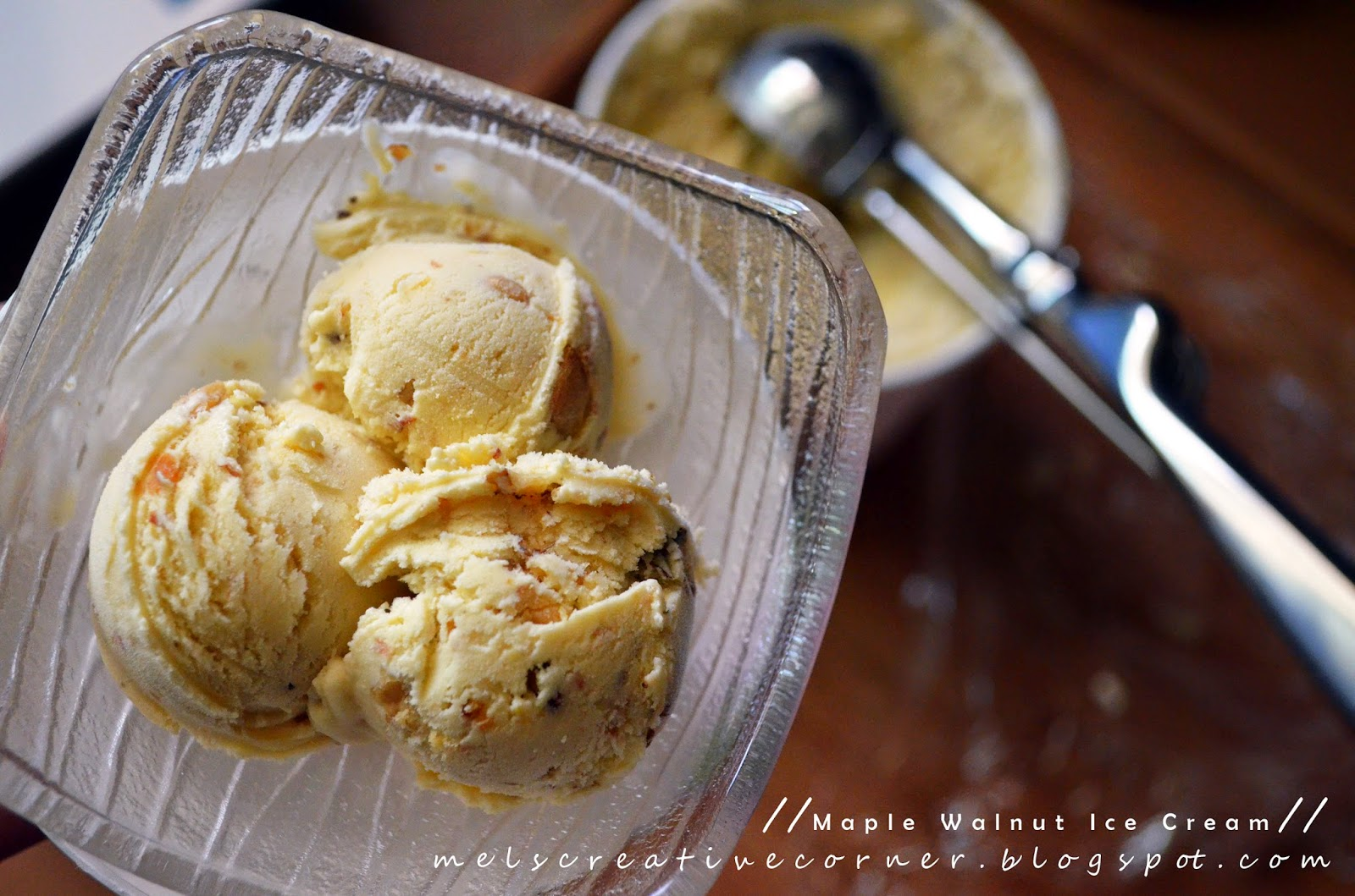 Mel's Creative Corner: Maple Walnut Ice Cream!