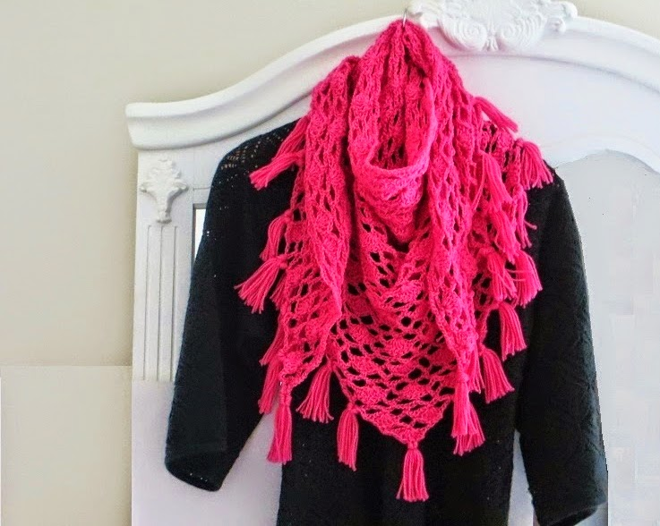 free crochet pattern lacy triangle shawl