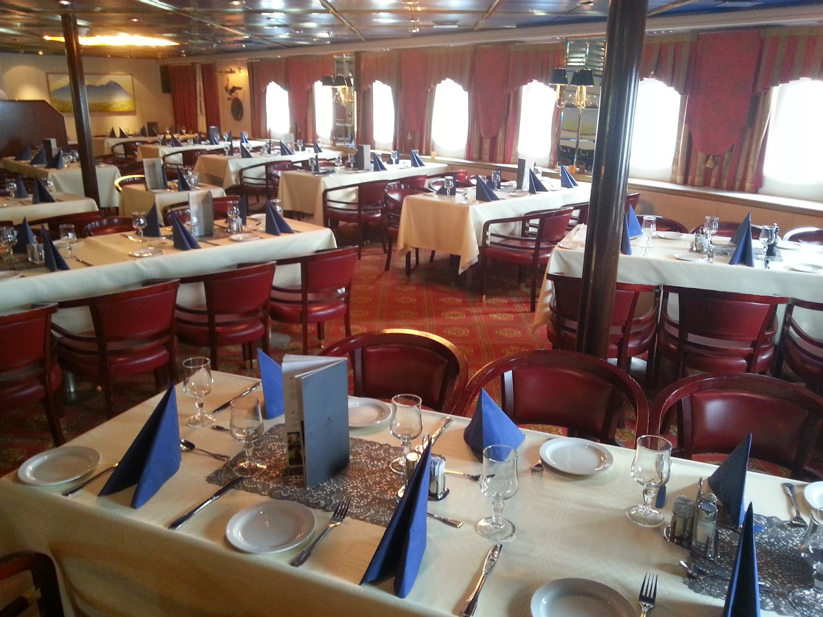 Hurtigruten MS Vesterålen - Main Dining Room/Restaurant