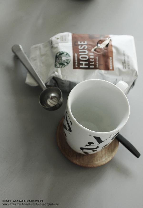 starbucks kaffe, coffee, kaffekopp, svartvit, mugg med text, yes, grafiskt, grafsik, inredning, inredningsblogg, blogg, webbutik, webbutiker, webshop, nettbutikk, nettbutikker,