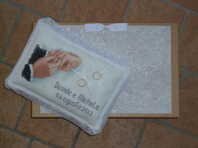 Chi semina crocette raccoglie meraviglie cuscino - Cuscino portafedi punto croce ...