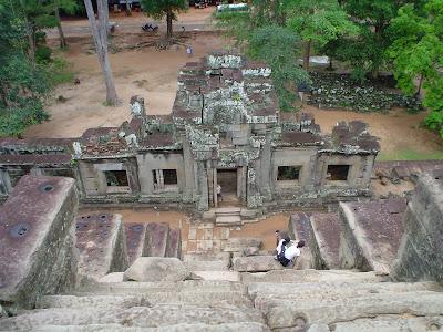 Escaliers d'accès Angkor Vat - Cambodge