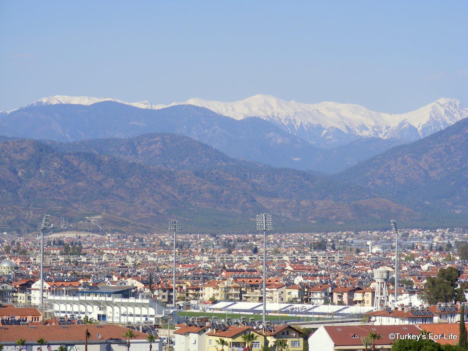 http://1.bp.blogspot.com/-AQ5WW9Iw9O4/T27F7SUXVDI/AAAAAAAAEGI/0AeSHZowU9s/s1600/Fethiye+Spor+Turkey+football+stadium.JPG