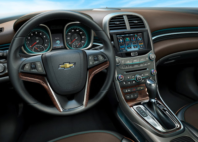 The instrument panel of the 2013 Chevrolet Malibu