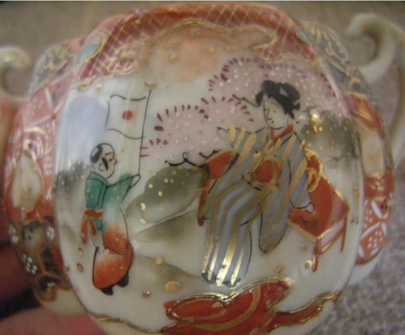 Meiji Period Japanese Porcelain Kyoto Satsuma Moriage / 明治時代、日本の磁器京都さつま