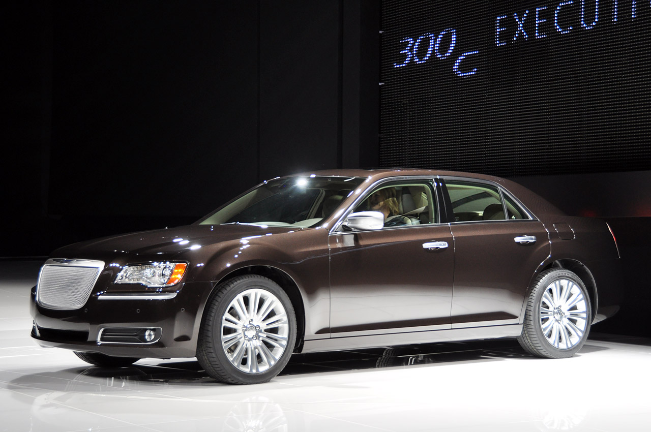 Chrysler 300c 2012 new car price specification review for Chrysler 300cc
