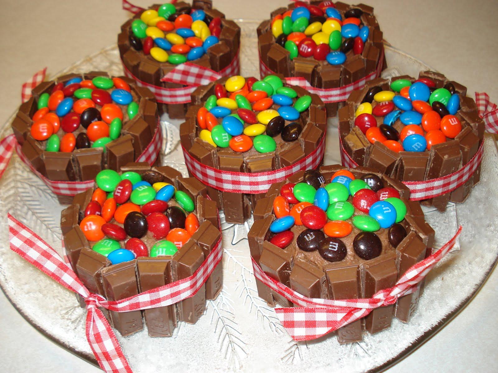 Cake Design Kit Kat : Robins Tweet Cakes: Kit Kat Cupcakes