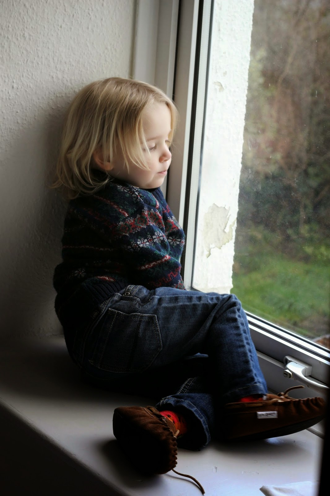 toddler looking out