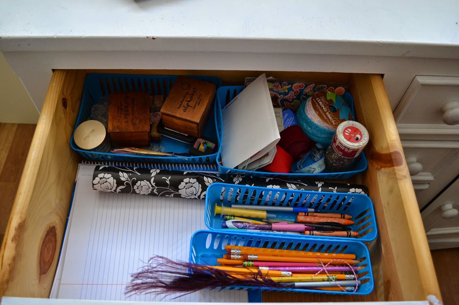 Inexpensive and free containers for organizing the art supplies :: OrganizingMadeFun.com