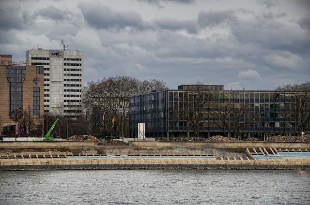Baustelle Köln, Bau der Freitreppe für den Rheinboulevard, Deutz, Kennedy-Ufer, 50679 Köln, 27.01.2014