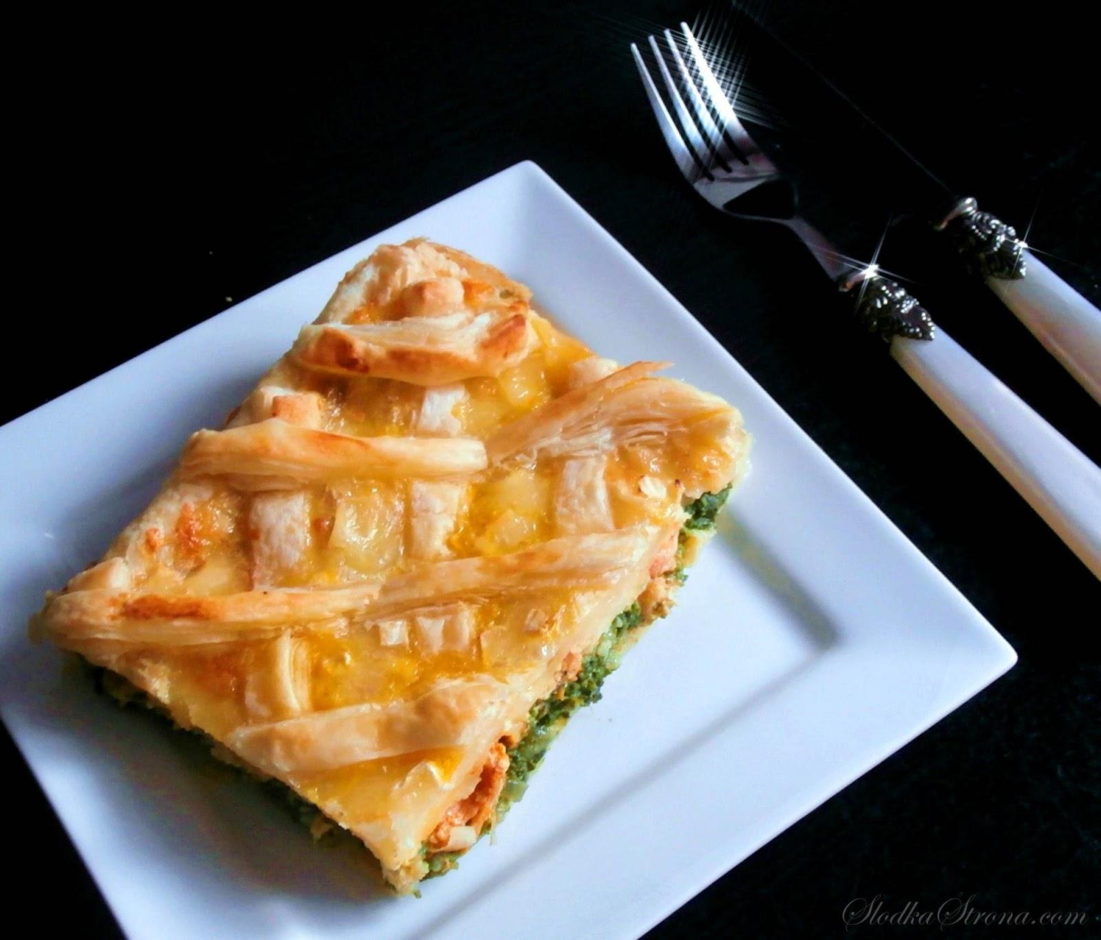 Tarta / Zapiekanka z Ciasta Francuskiego z Kurczakiem, Szpinakiem i Trzema Serami - Przepis - Slodka Strona