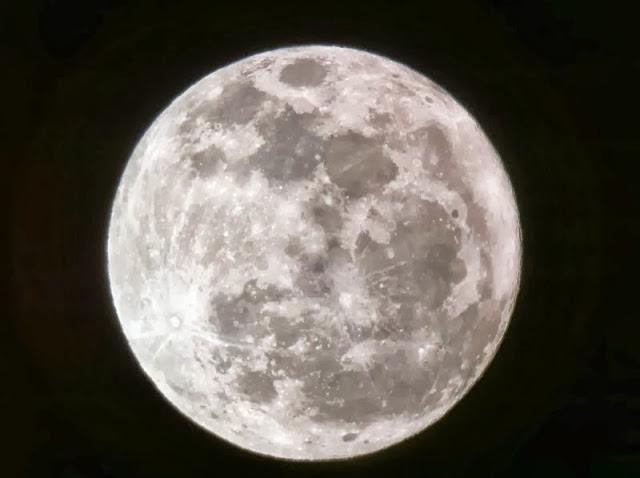 10 πράγματα που δεν ξέρατε για το φεγγάρι...