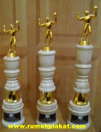 Pengrajin Piala Marmer Surabaya, Model Trophy Onix Surabaya, Pesan Trophy Marmer Murah Surabaya, 0856.4578.4363, www.rumahplakat.com