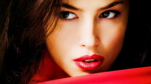 como maquillar los labios rojos