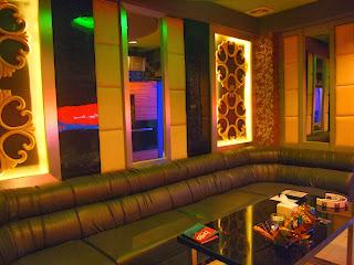 tempat karaoke gua banget