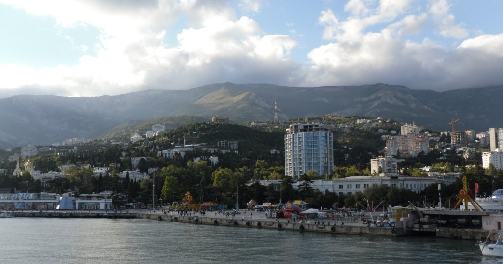 Getting About a Bit - Cruising: Yalta - Another Ukrainian city but with ice cream.