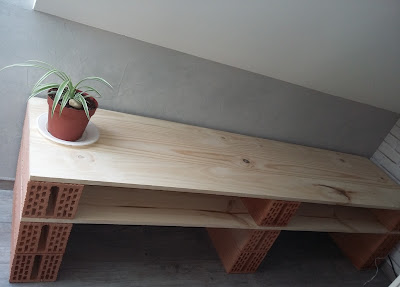 cnstruction etagère brique bois pas chère loft industrielle ambiance look vintage  planche brique rouge style londres london