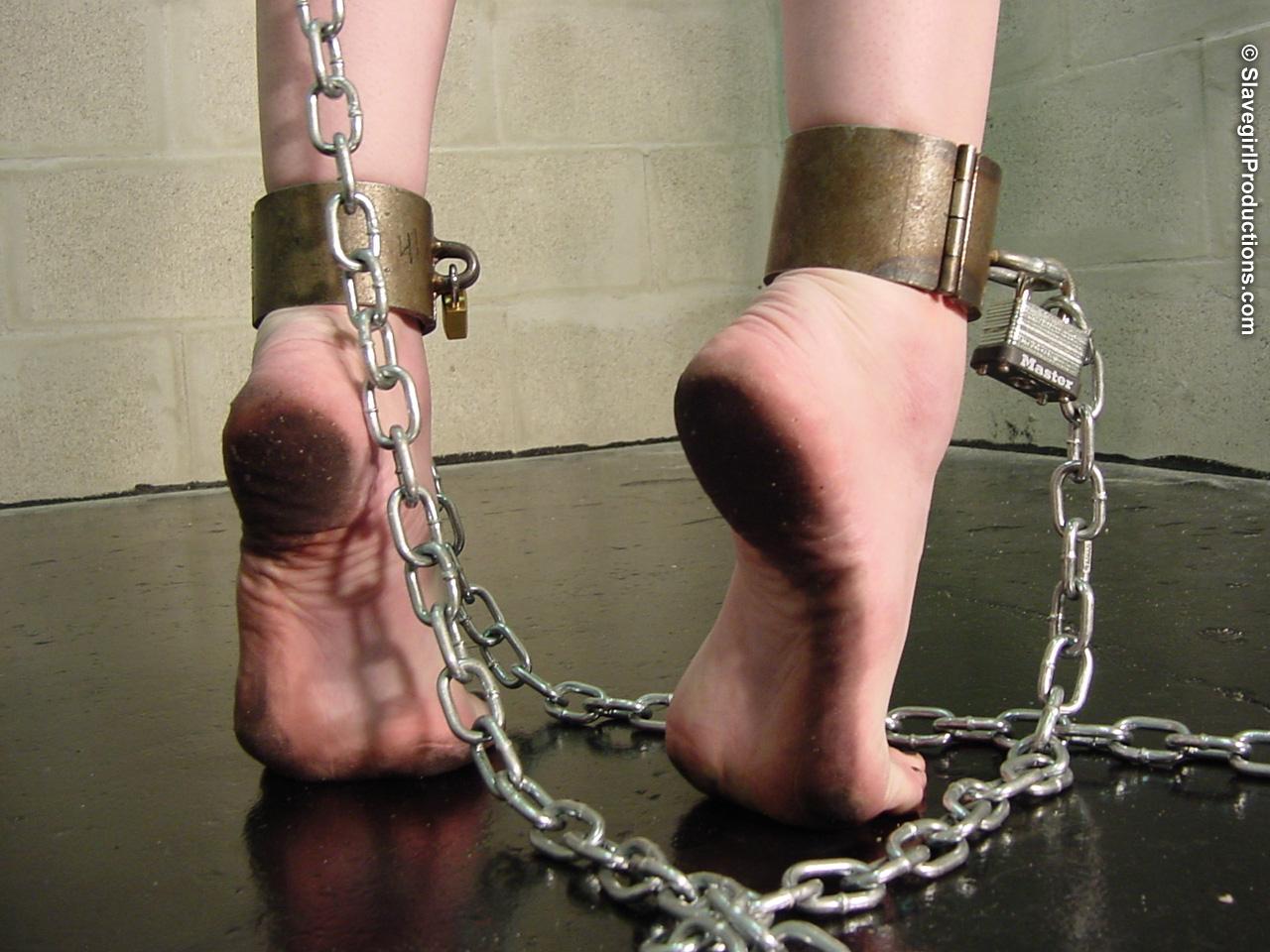 Фото рабынь в цепях 22 фотография