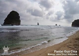 Salika Travel : Wisata Pantai Gua Cina