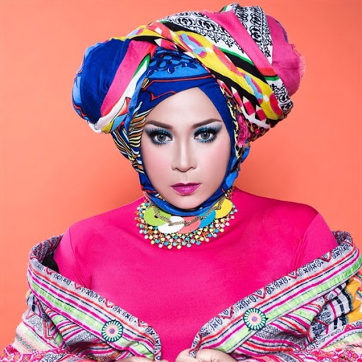trend model gaya hijab ala melly goeslaw terbaru 2017/2018