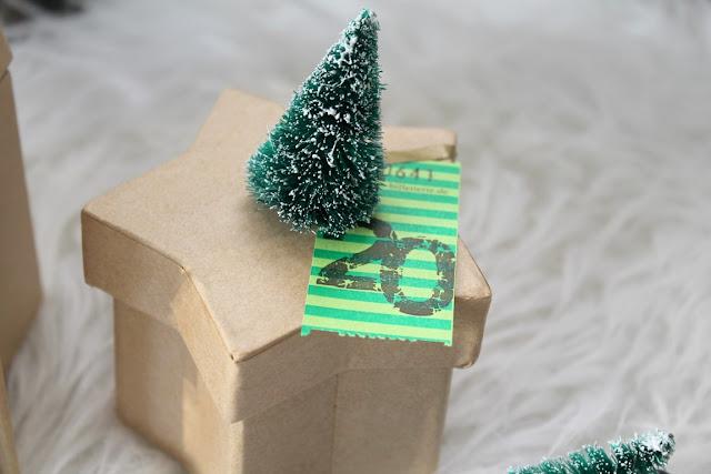 Adventskalender Weihnachtsbaum Schachtel Adventswertmarken