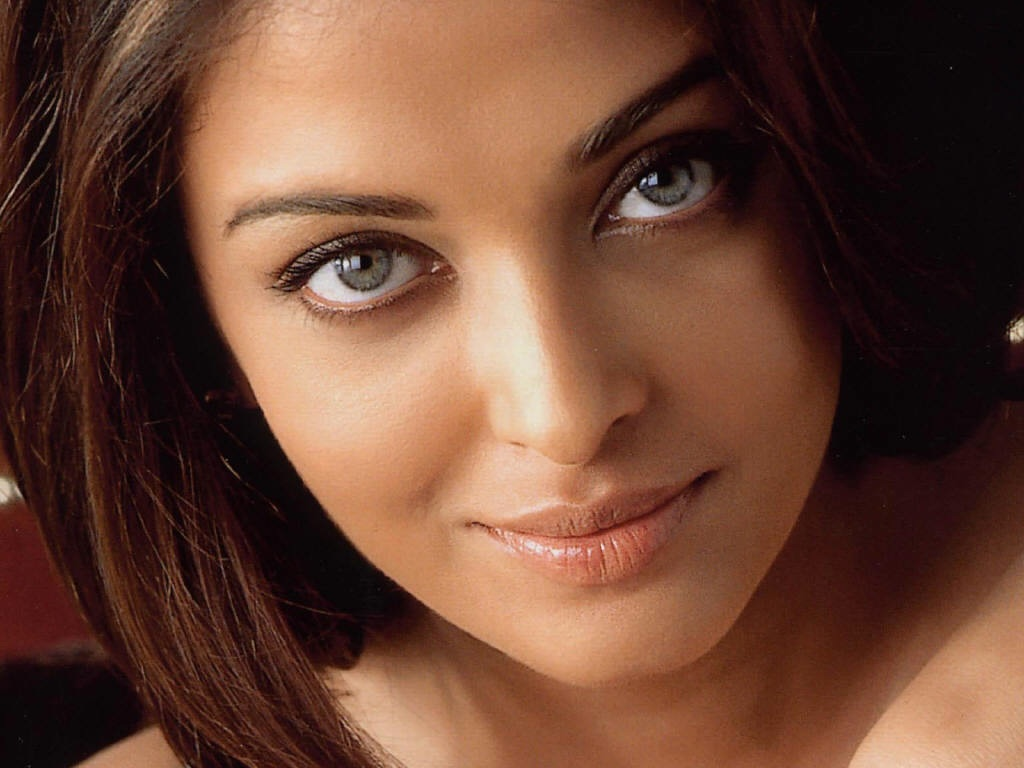 Woman Most Beautiful Eyes in the World