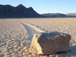 Las rocas que se mueven solas...misterio sin resolver. Piedras+se+mueven+desierto+valle+muerte