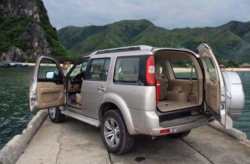 Cho thuê xe Ford Everest theo tháng 1