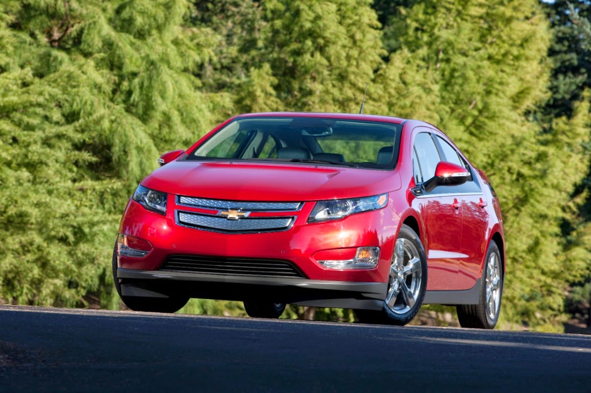 2014 Chevy Volt Earns IIHS Top Safety Pick+ Award
