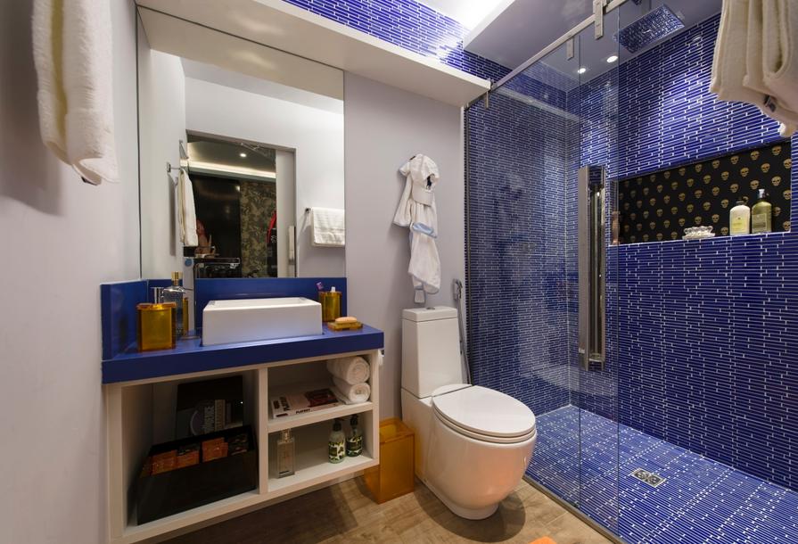decoracao banheiro homem : decoracao banheiro homem:Banheiro masculino infantil com piso em porcelanato madeira combinado