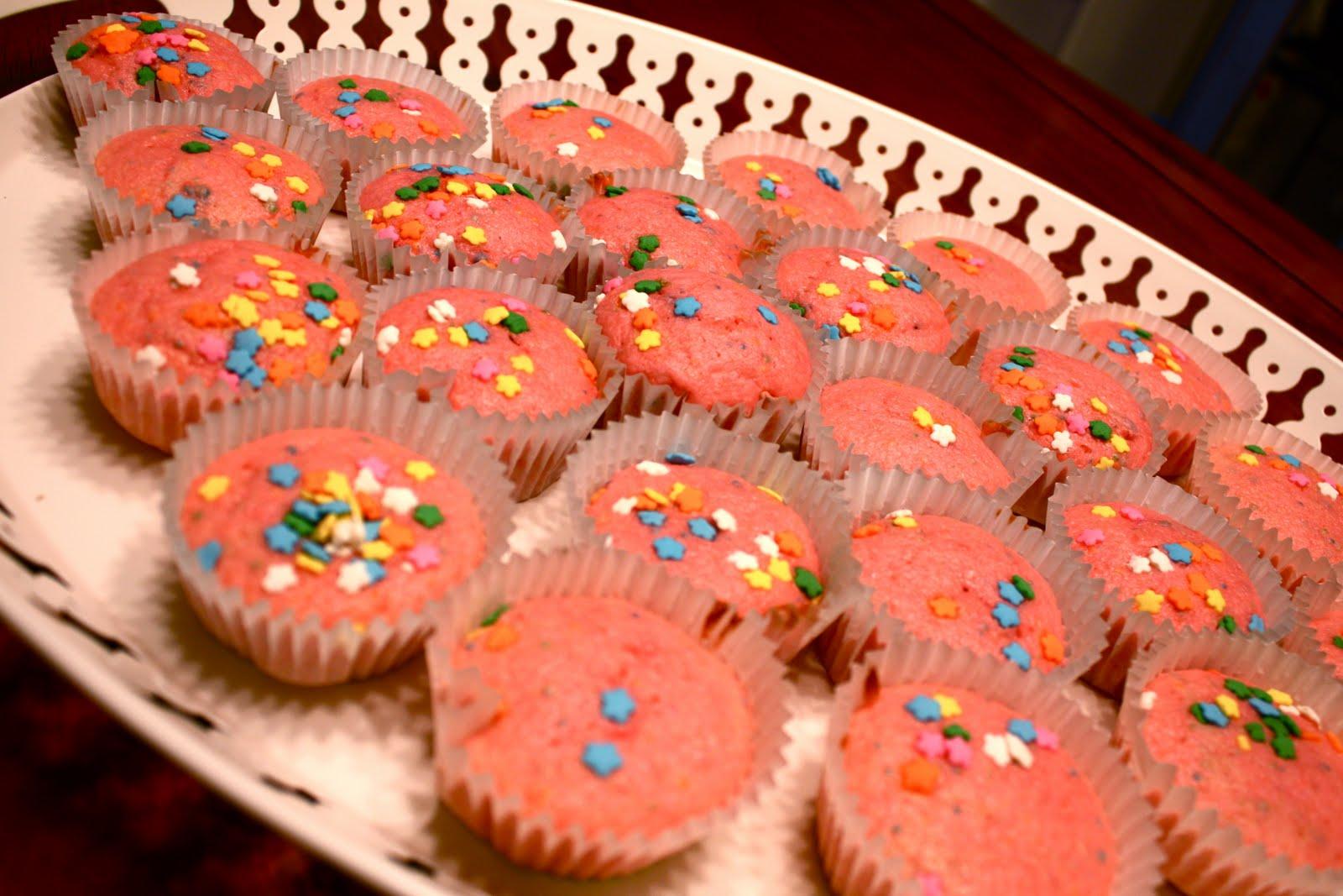 Piece of Cake Recipes: Pink Lemonade Confetti Cupcakes