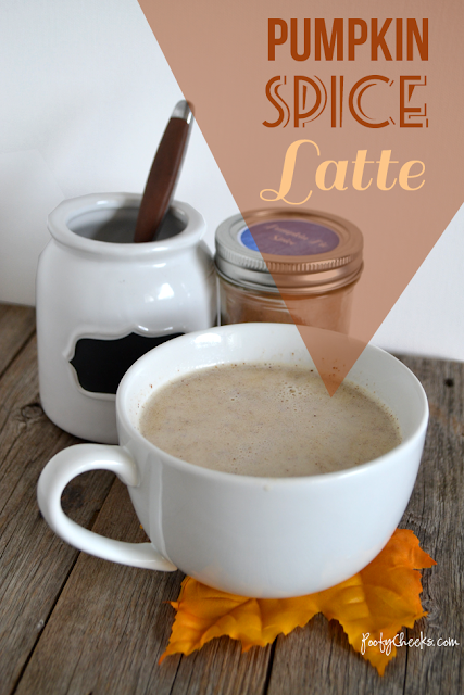 Pumpkni Spice Latte from Poofy Cheeks. Part of the Fall In Love With Fall Series at Hi! It's Jilly. #pumpkin #latte #fall #recipe
