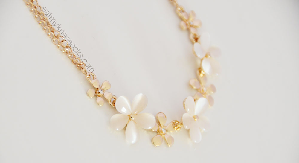 The golden floral necklace from Born Pretty Store.