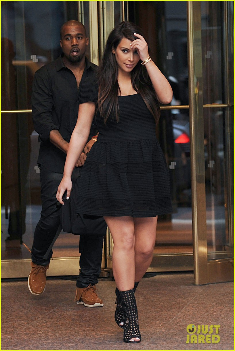 Black dress we heart it - Kim We Are So So So Sorry We Are Here To Help We Know How Literally Exruciating It Is To Dress A Big Ol Pregnant Body It Aint Fun