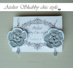 Orecchini shabby chic con agata celeste e cristalli swarovski