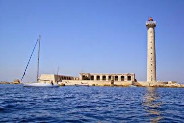 L'Îlot  -  Phare du Planier  -  au large de Marseille