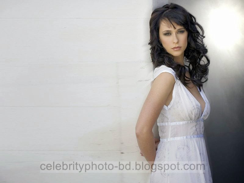 Jennifer+Love+Hewitt+Latest+Hot+Photos+With+Short+Biography011