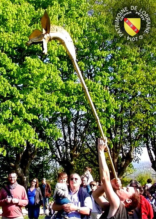 SION (54) - Journée gallo-romaine - Guerrier gaulois jouant du carnyx