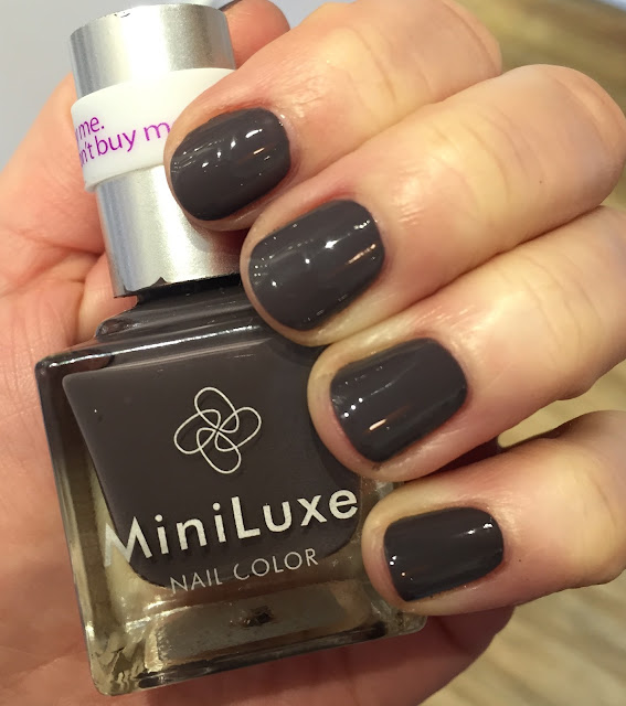 MiniLuxe, MiniLuxe Sealed With A Kiss, #ManiMonday, Mani Monday, manicure, nails, nail polish, nail lacquer, nail varnish, Boston, Salon and Spa Directory