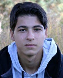Саша - 16 лет