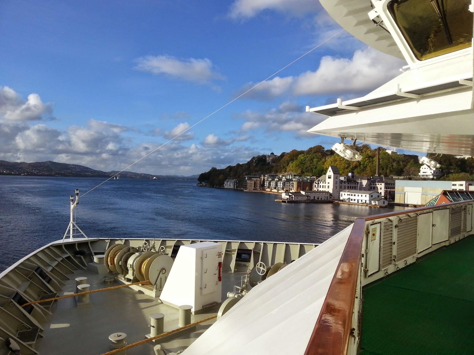Hurtigruten MS Polarlys - Promenade Deck